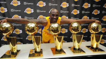Kobe Bryant meraih gelar juara NBA lima kali bersama LA Lakers. - INDOSPORT