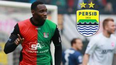 Indosport - Perbandingan harga penyerang Belanda incaran Persib Bandung jelang Liga 1 2020 dan Ezechiel N'Douassel, memperlihatkan ketimpangan yang cukup jauh dan membuat salah satunya kalah telak.