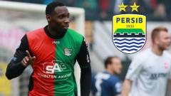 Indosport - Eks Ajax Amsterdam, Geoffrey Castillion dikabarkan bakal bergabung ke Persib Bandung pada bursa transfer Liga 1 2020.