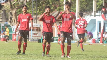 Wonderkid Bali United, Irfan Jauhari sudah mengikuti training center (TC) virtual Timnas Indonesia U-19. - INDOSPORT