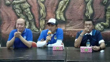 Seto Nurdiyantoro saat diperkenalkan menjadi pelatih PSIM Yogyakarta untuk Liga 2 2020. - INDOSPORT