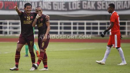 PSM Makassar mendapat dukungan langsung dari suporternya saat leg kedua Kualifikasi Piala AFC 2020 kontra Lalenok United di Stadion Pakansari. - INDOSPORT
