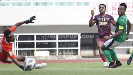 Osas Saha saat melawan lalenok United di Piala AFC 2020 bersama PSM Makassar. - INDOSPORT