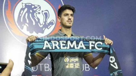 Defender Arema FC asal Uruguay, Matias Malvino. - INDOSPORT