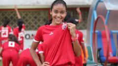 Indosport - Winger Persija Jakarta Putri, Naomi Nielsen saat bermain di Liga 1 Putri musim 2019.