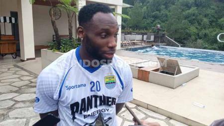 Striker klub Liga 1 2020 Persib Bandung, Geoffrey Castillion genap berusia ke-29 pada Senin, 25 Mei 2020. - INDOSPORT
