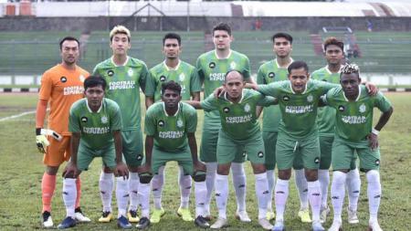 Skuat klub Liga Super Malaysia 2020, Melaka United, diberikan hukuman minus poin akibat telat membayar gaji pemain. - INDOSPORT