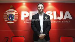 Indosport - Sebelum bergulirnya Liga 1 2021, Persija Jakarta malah sudah pincang ditinggal Marc Klok. Pentolan Jak Mania, ketua The Jakmania pun buka suara.