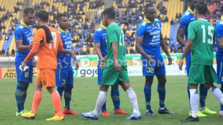 Pasca Persib Bandung mengalahkan Melaka United, media Malaysia langsung soroti Bobotoh. - INDOSPORT