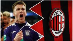 Indosport - Klub Serie A, AC Milan tidak akan memperpanjang atau mempermanenkan kontran gelandang Anderlecht, Alexis Saelemaekers.