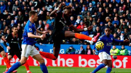 Bintang klub Liga Inggris, Chelsea, Tammy Abraham, menyesali kegagalan timnya gagal memboyong Edinson Cavani pada Januari 2020 - INDOSPORT