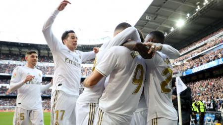 Real Madrid nampaknya bakal kian kacau usai Zinedine Zidane enggan melirik para generasi penerus seharaga Rp2,5 triliun sepanjang LaLiga Spanyol. - INDOSPORT