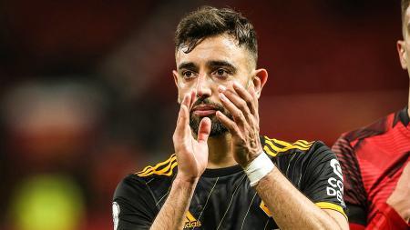 Debut kurang memuaskan bersama Manchester United di Liga Inggris, Gary Neville beberkan kekurangan Bruno Fernandes. - INDOSPORT
