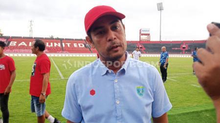 Pelatih Persela, Nil Maizar menyebutkan penting sekali untuk menentukan nasib kompetisi Liga 1 ke depan yang berhenti akibat pandemi virus Corona. - INDOSPORT