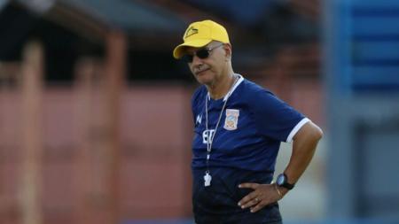 Kisah Edson Tavares, Pelatih Brasil yang Tak Berjodoh dengan 2 Oranye Liga 1 - INDOSPORT