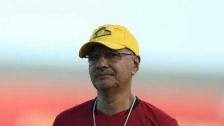 Kepala pelatih Borneo FC asal Brasil, Edson Tavares. - INDOSPORT