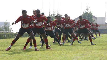 Skuad Persipura Jayapura saat menjalani latihan di Malang jelang Liga 1 2020. - INDOSPORT