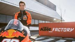 Pembalap MotoGP, Dani Pedrosa, jadi yang tercepat di tes Sirkuit Sepang.
