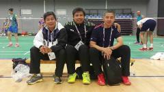 Indosport - Deretan pelatih bulutangkis: Agus Dwi Santoso (tengah) foto bersama Herry IP (paling kiri), Mulyo Handoyo (paling kanan).
