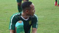 Indosport - Pemain klub Liga 1 2020 Persebaya Surabaya, Oktafianus Fernando, sudah melakukan latihan mandiri kurang lebih empat bulan lamanya.