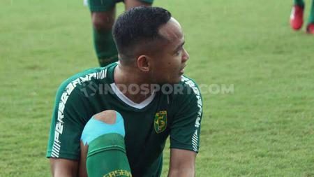 Pemain klub Liga 1 2020 Persebaya Surabaya, Oktafianus Fernando, sudah melakukan latihan mandiri kurang lebih empat bulan lamanya. - INDOSPORT