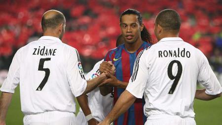 Berikut lima pemain yang disebut sebagai seniman di lapangan hijau. Beberapa contohnya adalah Lionel Messi dan Zinedine Zidane. - INDOSPORT