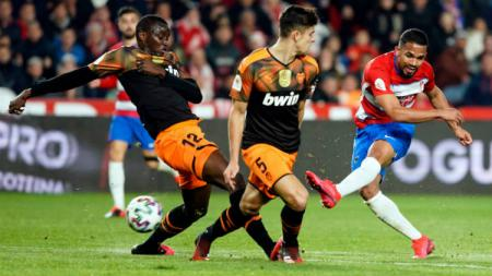 Suasana pertandingan Granada vs Valencia. - INDOSPORT