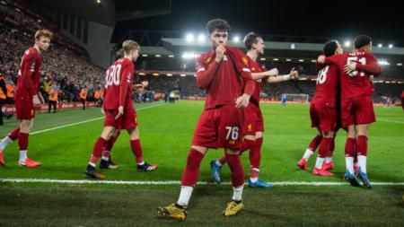 Selebrasi pemain Liverpool dalam pertandingan ulang putaran keempat Piala FA 2019/20 kontra Shrewsbury, Rabu (05/02/20). - INDOSPORT