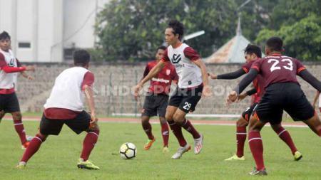 Latihan Persis Solo di Stadion Sriwedari, Rabu (02/02/20). - INDOSPORT