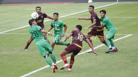 Bhayangkara FC menelan kekalahan tipis 0-1 dari PSM Makassar di laga uji coba jelang Liga 1 2020 pada Rabu (05/01/20) di Stadion PTIK. - INDOSPORT