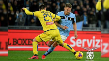 Aksi pemain di laga Serie A Liga Italia Lazio vs Verona yang berujung tanpa gol, Kamis (06/02/20). - INDOSPORT