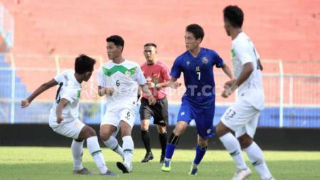 Playmaker asal Korea Selatan, Oh In-kyun memutuskan mundur dari skuat Arema FC dan memilih untuk pensiun dari dunia sepak bola pasca menjalani delapan musim  di kompetisi Indonesia. - INDOSPORT