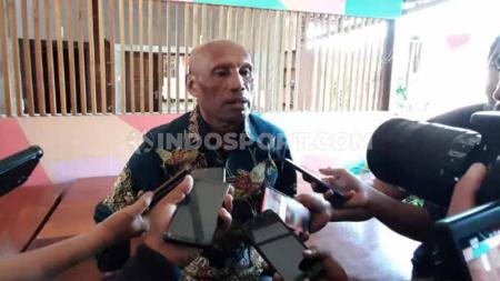 Ketua Umum Persipura, Benhur Tomi Mano. - INDOSPORT