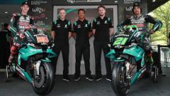 Indosport - Tim satelit Petronas Yamaha SRT resmi memamerkan tim dan livery motornya untuk balapan MotoGP musim 2020