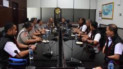 Indosport - PSSI menerima kunjungan Tim Satgas Antimafia Bola Jilid II.