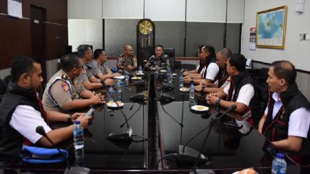 PSSI menerima kunjungan Tim Satgas Antimafia Bola Jilid II. - INDOSPORT