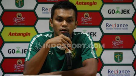 Pemain Persebaya Surabaya, Rahmat Irianto saat konfrensi pers jelang laga lawan Sabah FA, Jumat (07/02/20). - INDOSPORT