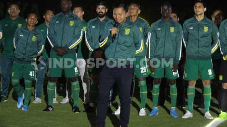 Persebaya Surabaya melalui presiden klub, Azrul Ananda, menyatakan sikap tidak setuju apabila Liga 1 2020 kembali dilanjutkan. - INDOSPORT
