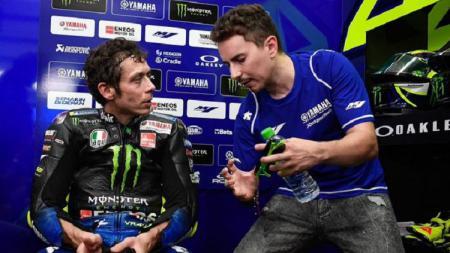 Manajer Tim Yamaha, Massimo Meregalli membantah rumor yang menyatakan jika Jorge Lorenzo bakal menggantikan Valentino Rossi di MotoGP Aragon besok. - INDOSPORT