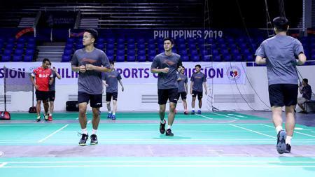 Tiba di Rizal Memorial Coliseum, Filipina, tim bulutangkis Indonesia tidak menyia-nyiakan kesempatan untuk coba venue turnamen Asia Team Championships. - INDOSPORT