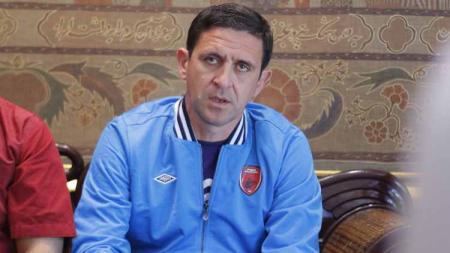 Asisten pelatih klub Liga 1 PSM Makassar, Nenad Bacina. - INDOSPORT