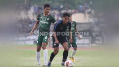 Indosport - Pertandingan uji coba antarklub sepak bola Liga 1 Indonesia, PSIS Semarang vs Sriwijaya FC, bakal digelar tanpa penonton lantaran mengambil tempat di dalam area sekolah.