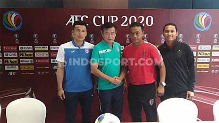 Jelang bersua Bali United di Piala AFC 2020, pelatih Than Quang Ninh, Phan Thanh Hung, menyindir kegagalan Timnas Indonesia di Kualifikasi Piala Dunia 2022. - INDOSPORT