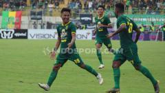 Indosport - Persebaya Surabaya memimpin klasemen Grup A Piala Gubernur Jatim usai menjadi satu-satunya tim yang meraih kemenangan hari ini, Senin (10/02/20).
