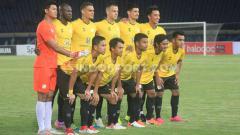 Indosport - Jelang kick-off kompetisi Liga 1 2020, sejumlah tim sudah memasuki persiapan akhir dan memilih untuk menggelar laga uji coba bertahap, salah satunya adalah Barito Putera. Barito akan menjajal kekuatan Arema FC di pertandingan uji coba.