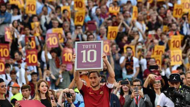 Francesco Totti di laga terakhirnya bersama AS Roma sebelum pensiun. Copyright: AFP