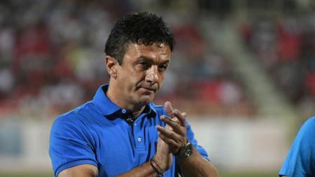 Petar Planic sedikit banyak mengetahui sosok Simo Krunic yang sekarang menjadi pelatih Witan Sulaeman di FK Radnic Surdulica. - INDOSPORT