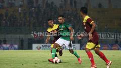 Indosport - Madura United vs Persik Kediri di turnamen Piala Gubernur Jatim 2020.