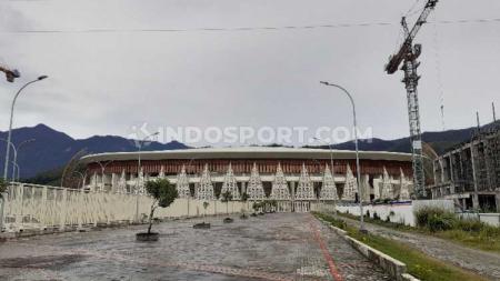 Stadion Papua Bangkit tampak dari luar. - INDOSPORT