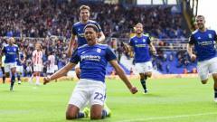 Indosport - Borussia Dortmund dikabarkan tinggal selangkah lagi mengalahkan Manchester United dalam mendatangkan wonderkid Inggris, Jude Bellingham.